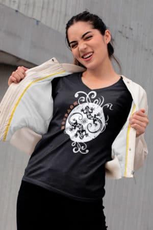 Camiseta mujer cuello pico lagartos
