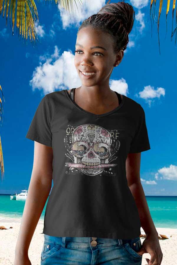 Camiseta mujer cuello pico calavera surf