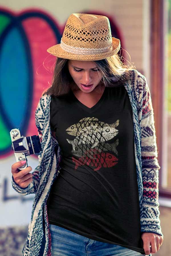 Camiseta mujer cuello pico originales peces