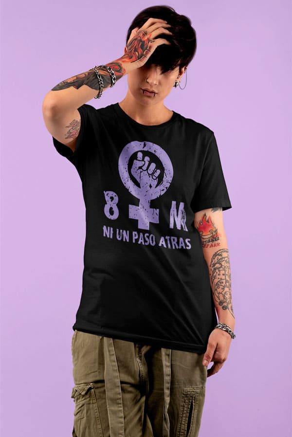 Camiseta mujer feminista 8 marzo Ni un paso atrás